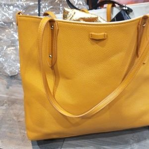 Two yello bags use together ir separate